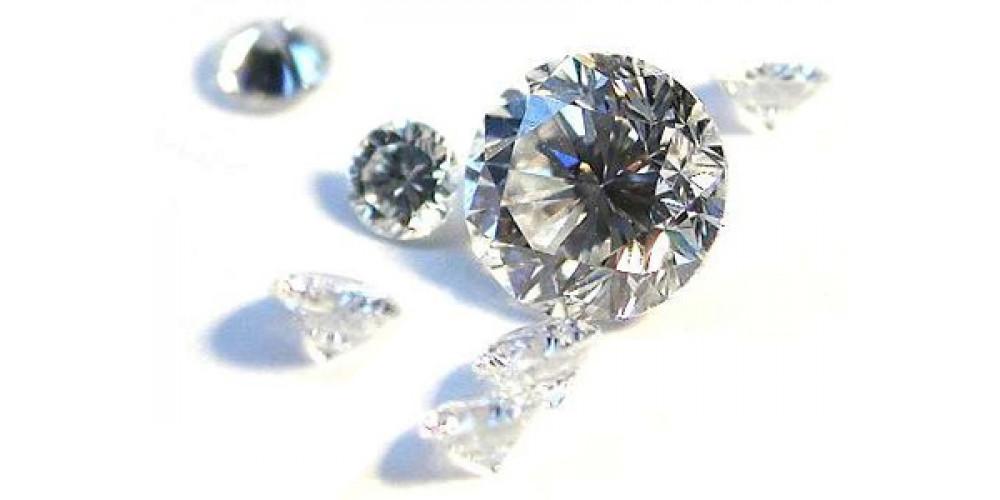 В чем разница между Swarovski Crystal, алмазов и кубического циркона?