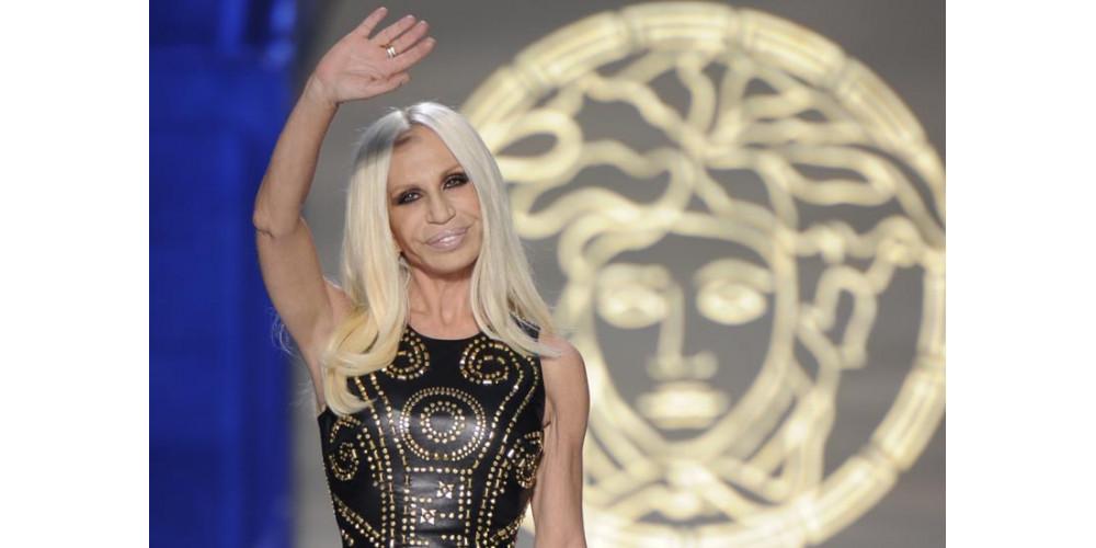 Дом Versace готовится к запуску коллекции драгоценностей в эти выходные.
