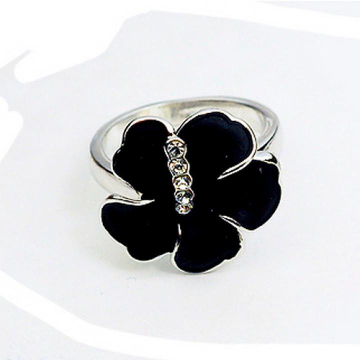 Кольцо с кристаллами Сваровски 1183026