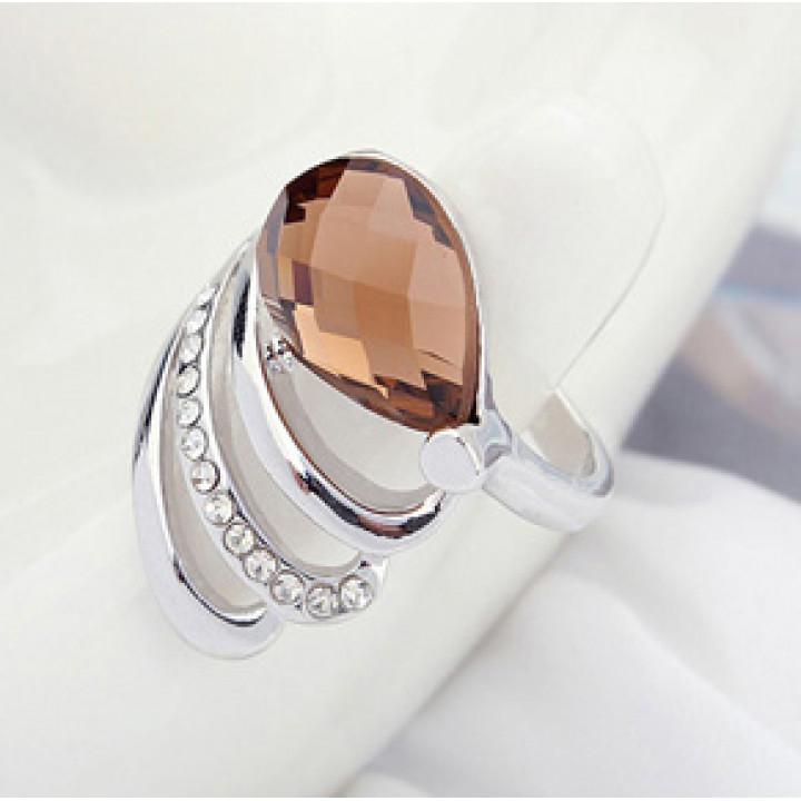 Кольцо с кристаллами Сваровски 9529